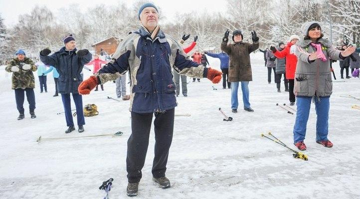 Активные пенсионеры займутся скандинавской ходьбой в усадьбе «Свиблово»