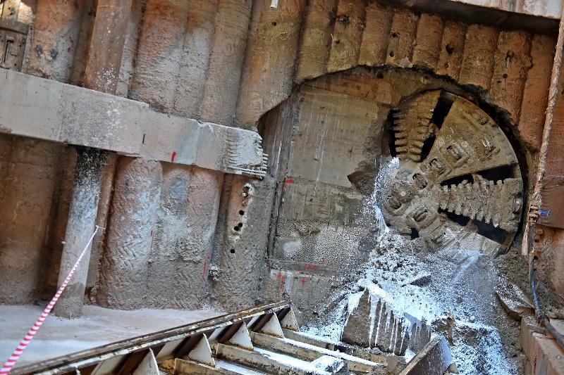 Активные строительные работы на БКЛ продолжаются в Москве