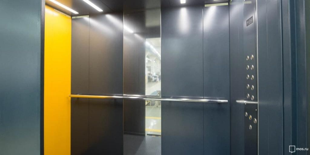 В жилом доме в Беринговом проезде починили лифт